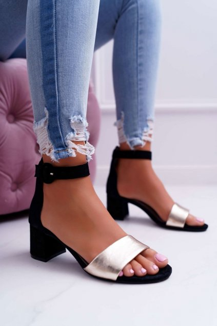Dámske sandále na podpätku farba čierna kód obuvi 04141-25/00-5 BLK/GOLD