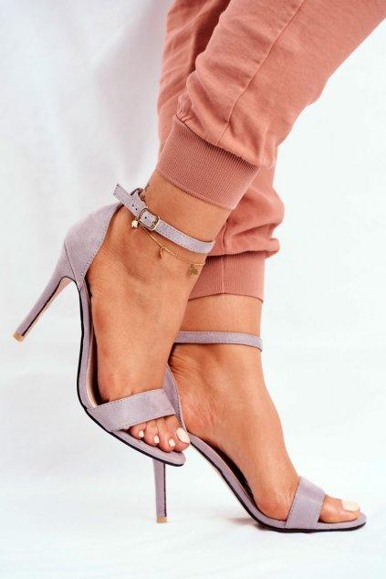 Dámske sandále na podpätku farba sivá kód obuvi GG-86 GREY