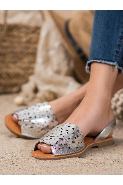 Sivé sandále s plochou podrážkou Evento kod 20SD35-1824S