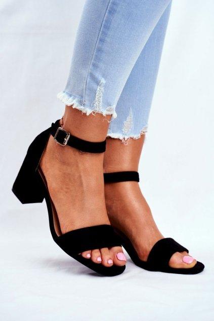Dámske sandále na podpätku farba čierna kód obuvi 20-17058 BLK