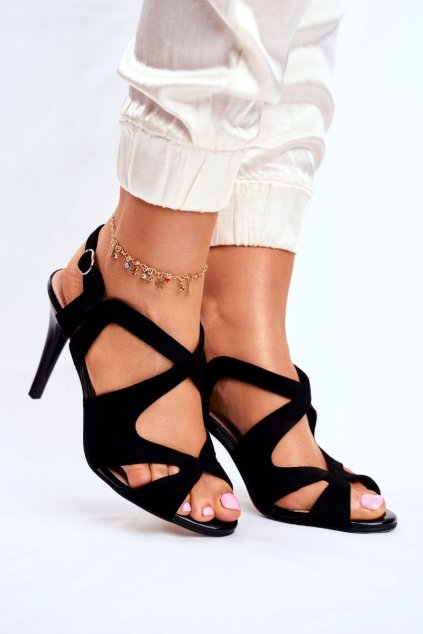 Dámske sandále na podpätku farba čierna kód obuvi SK427 BLK MIC