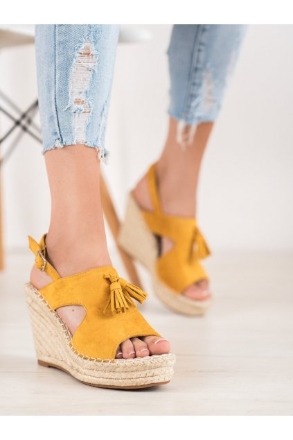 Žlté sandále na platforme Small swan kod FL67Y