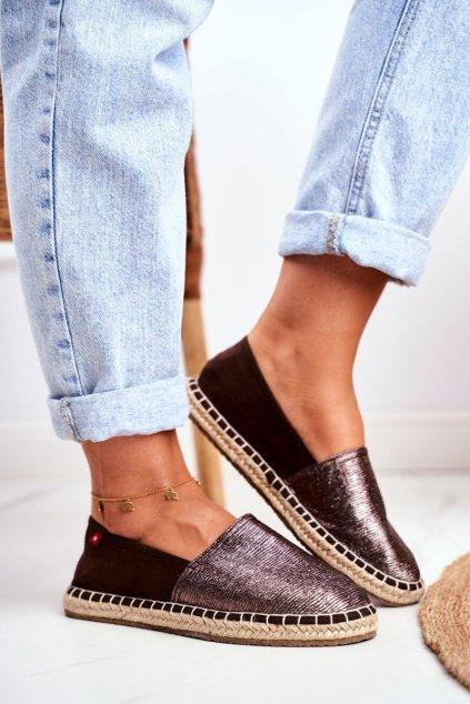 Dámske tenisky farba hnedá kód obuvi DD274A146 BROWN