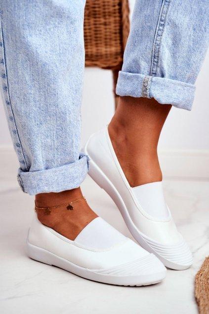 Dámske tenisky slip on farba biela kód obuvi 8811-24 WHITE