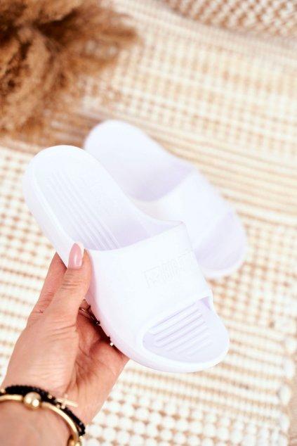 Detské šľapky farba biela kód obuvi GG374811 WHITE