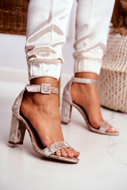 Dámske sandále na podpätku farba hnedá kód obuvi 626-2 BEIGE