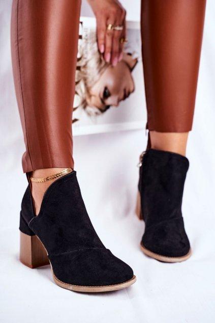 Členkové topánky na podpätku farba čierna kód obuvi A5706 BLK