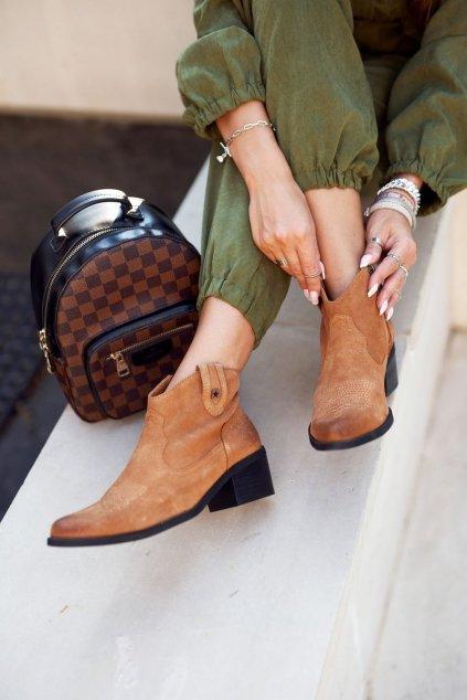 Členkové topánky na podpätku farba hnedá kód obuvi GG274330 CAMEL