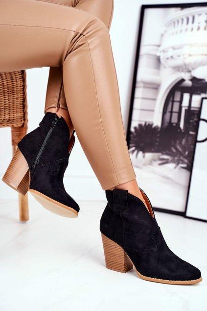 Členkové topánky na podpätku farba čierna kód obuvi A5607 BLK