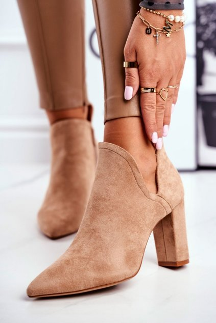 Členkové topánky na podpätku farba hnedá kód obuvi A8702-63 KHAKI