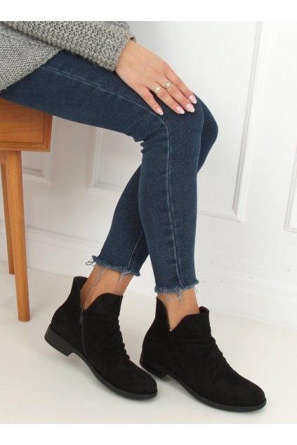 Dámske členkové topánky čierne na plochom podpätku ST-21