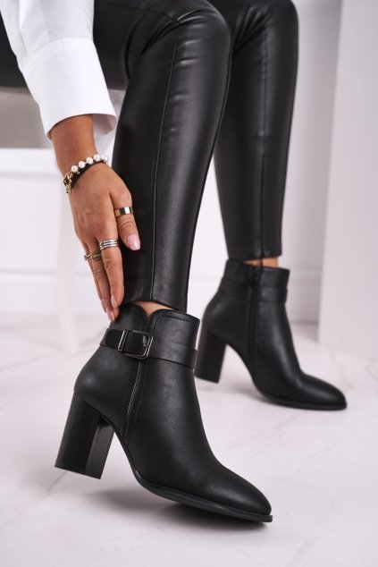 Členkové topánky na podpätku farba čierna kód obuvi BT509 BLK