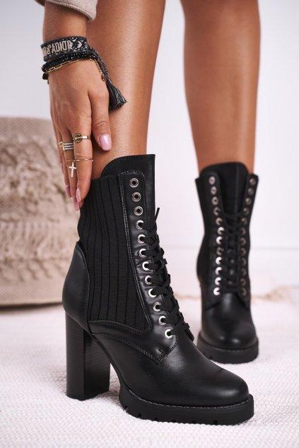 Členkové topánky na podpätku farba čierna kód obuvi M529 BLK