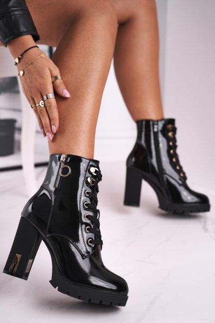 Členkové topánky na podpätku farba čierna kód obuvi M521 BLK