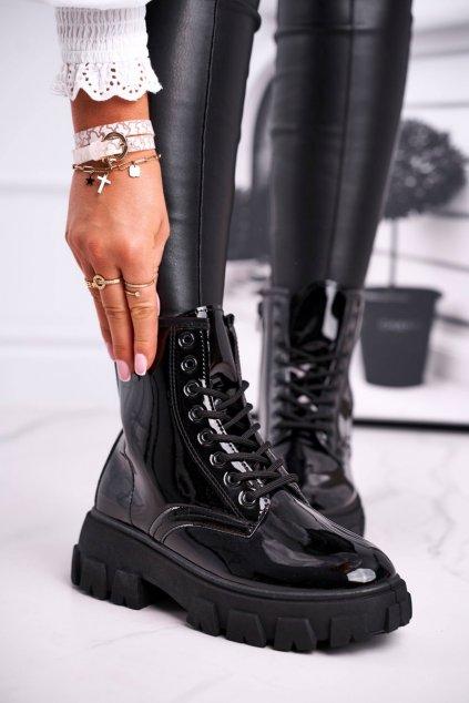 Členkové topánky na podpätku farba čierna kód obuvi 882 BLK