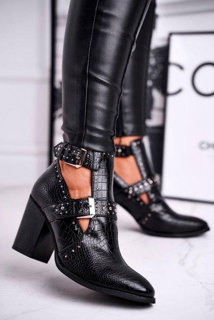 Členkové topánky na podpätku farba čierna kód obuvi C725 BLK