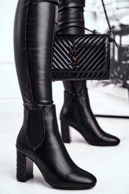 Členkové topánky na podpätku farba čierna kód obuvi K-9990 BLK