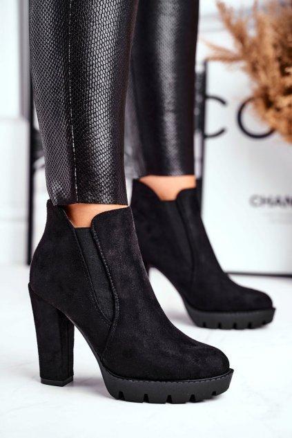 Členkové topánky na podpätku farba čierna kód obuvi QQ-16 BLK