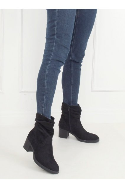 Dámske členkové topánky čierne na širokom podpätku 6341