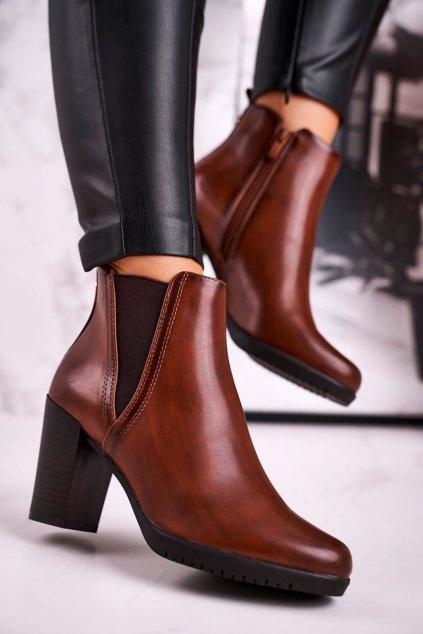 Členkové topánky na podpätku farba hnedá kód obuvi BT311 BROWN