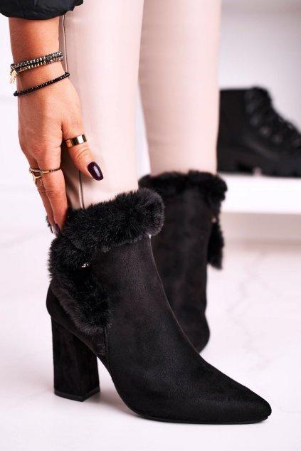 Členkové topánky na podpätku farba čierna kód obuvi J19-83Y BLACK