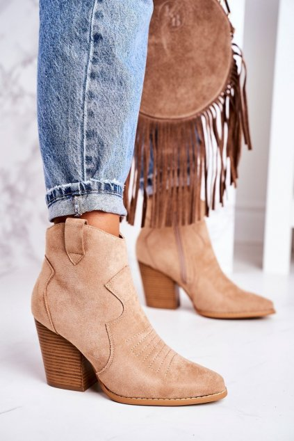Členkové topánky na podpätku farba hnedá kód obuvi A5602-63 BEIGE