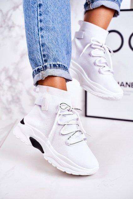 Dámske tenisky farba biela kód obuvi PC06 WHITE