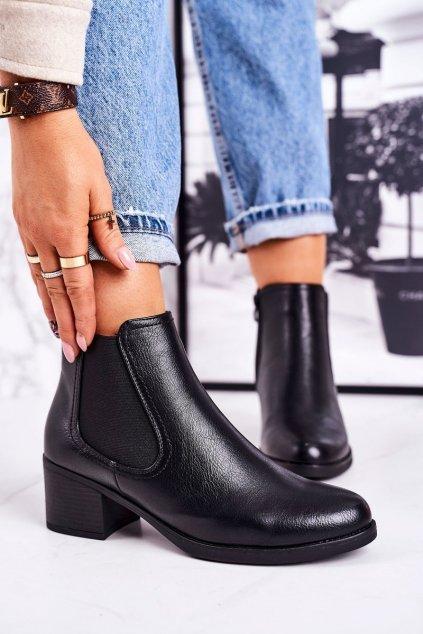 Členkové topánky na podpätku farba čierna kód obuvi A8297 BLACK