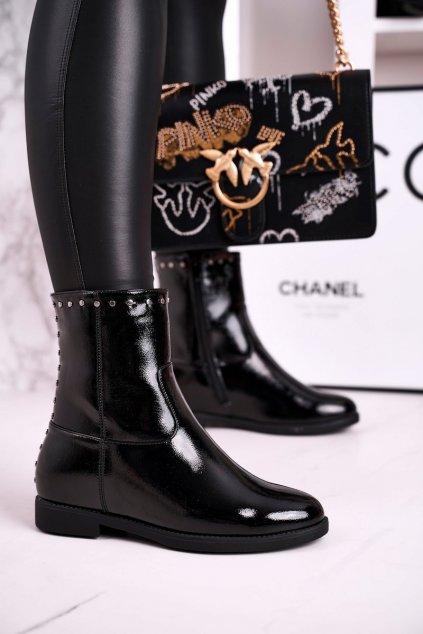 Členkové topánky na podpätku farba čierna kód obuvi A8301/B SHINY BLK