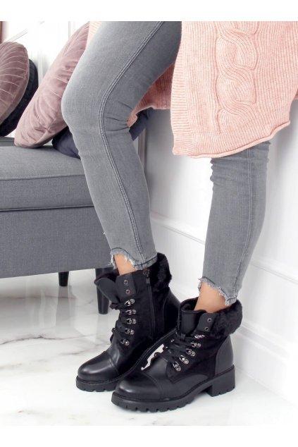 Dámske členkové topánky čierne na plochom podpätku 4063