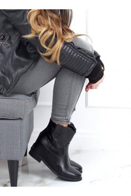 Dámske členkové topánky čierne na platforme 8003