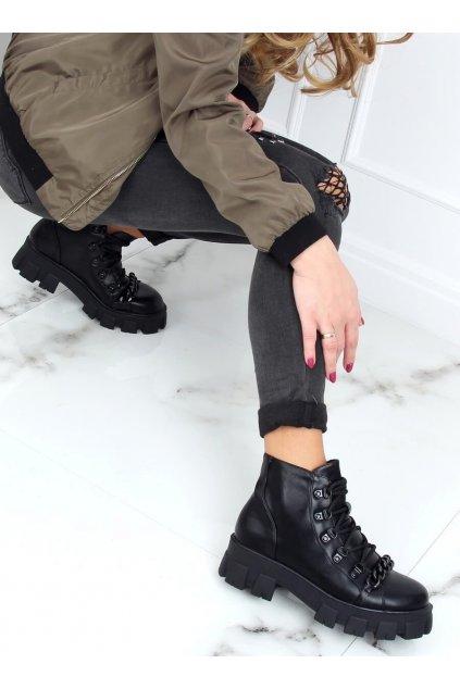 Dámske členkové topánky čierne na plochom podpätku NC1106