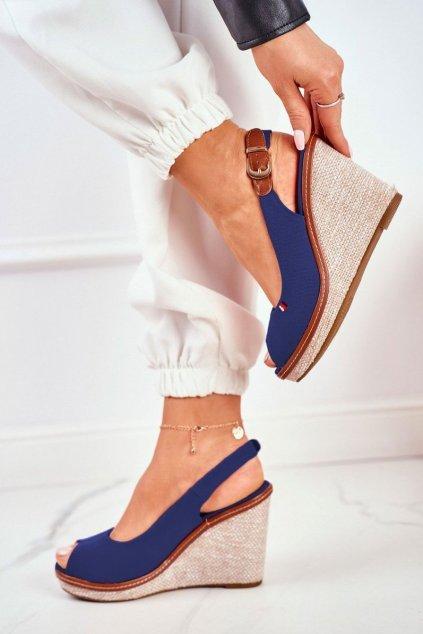 Dámske sandále na platforme farba modrá kód obuvi R132 NAVY