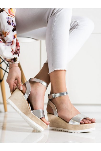 Sivé sandále na platforme Seastar kod NS100S