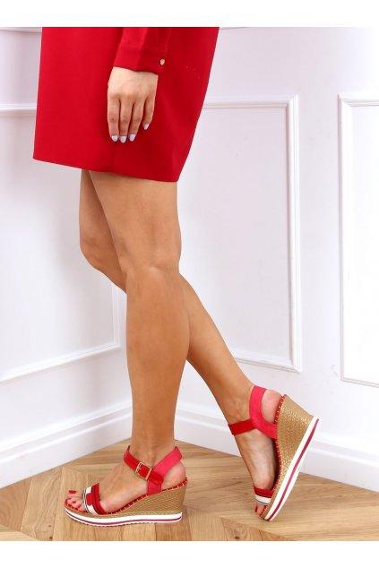 Damske sandále červené na platforme A89832