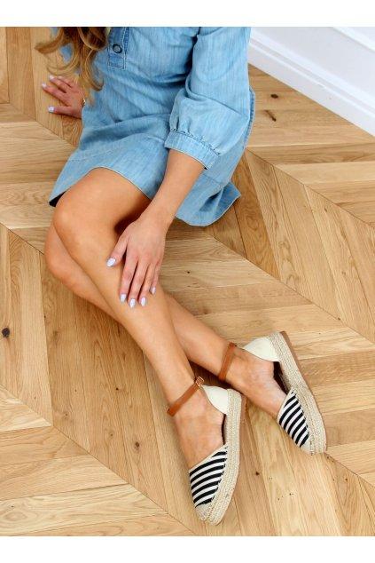 Dámske sandále čierne na plochom podpätku 9R108