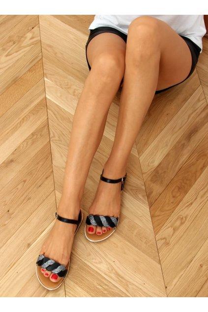Dámske sandále s plochou podrážkou čierne na plochom podpätku 123-5