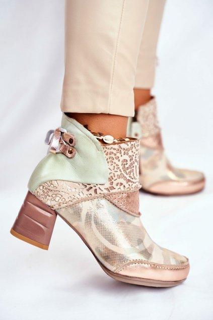 Členkové topánky na podpätku farba hnedá kód obuvi 03410-04/0-5 BEŻ