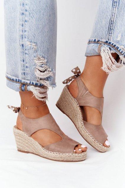 Dámske sandále na platforme farba hnedá kód obuvi 21SD98-3593 TAUPE