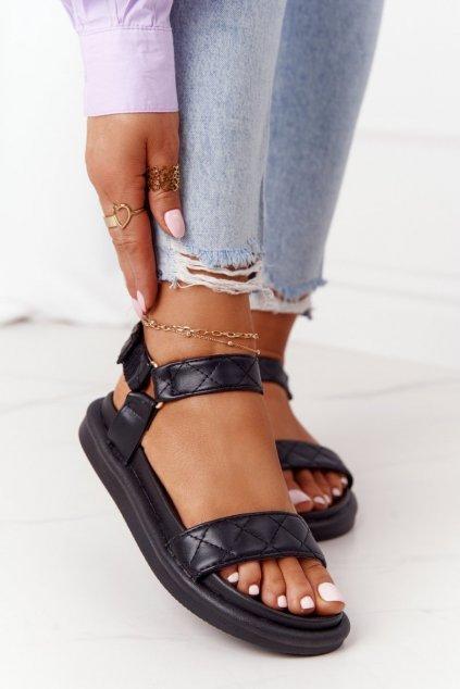 Dámske sandále s plochou podrážkou na platforme farba čierna kód obuvi CK197 BLACK