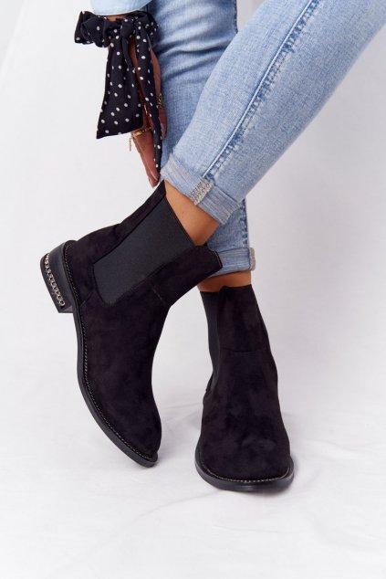 Členkové topánky na podpätku farba čierna kód obuvi XW37296 SUEDE BLK