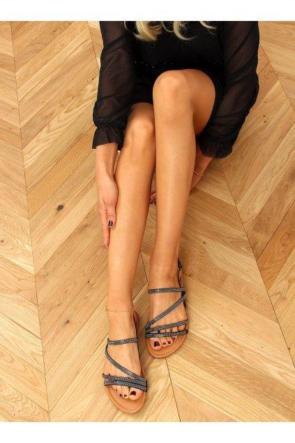 Dámske sandále čierne na plochom podpätku 4046