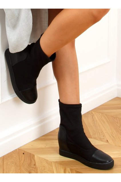 Dámske členkové topánky čierne na platforme HQ887