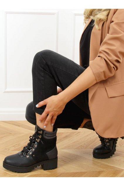 Dámske členkové topánky čierne na širokom podpätku DF3712