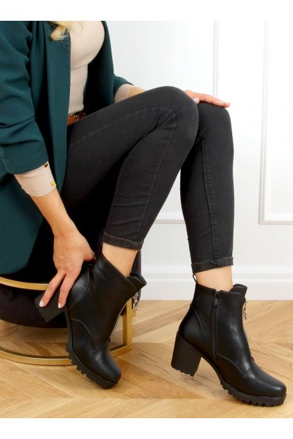 Dámske členkové topánky čierne na širokom podpätku BH-50