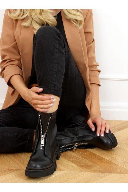 Dámske členkové topánky čierne na plochom podpätku QT05P