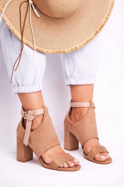 Dámske sandále na podpätku farba hnedá kód obuvi 20-17054 BEIGE