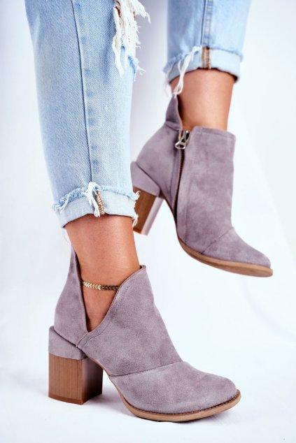 Členkové topánky na podpätku farba sivá kód obuvi A5706-26 GREY