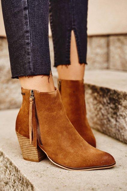 Členkové topánky na podpätku farba hnedá kód obuvi GG274364 CAMEL