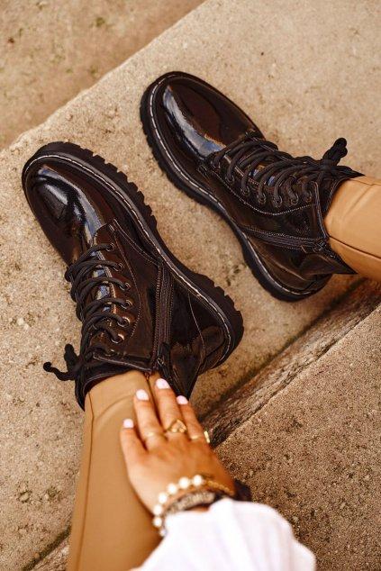 Členkové topánky na podpätku farba čierna kód obuvi HX56 BLK